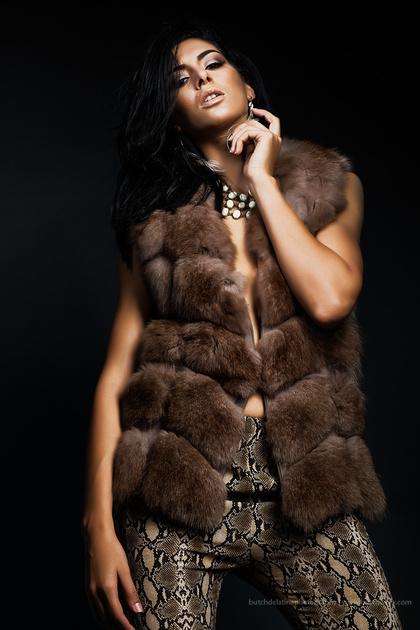 171227 Niche-Fur-Look 03-EC4A9082-Edit